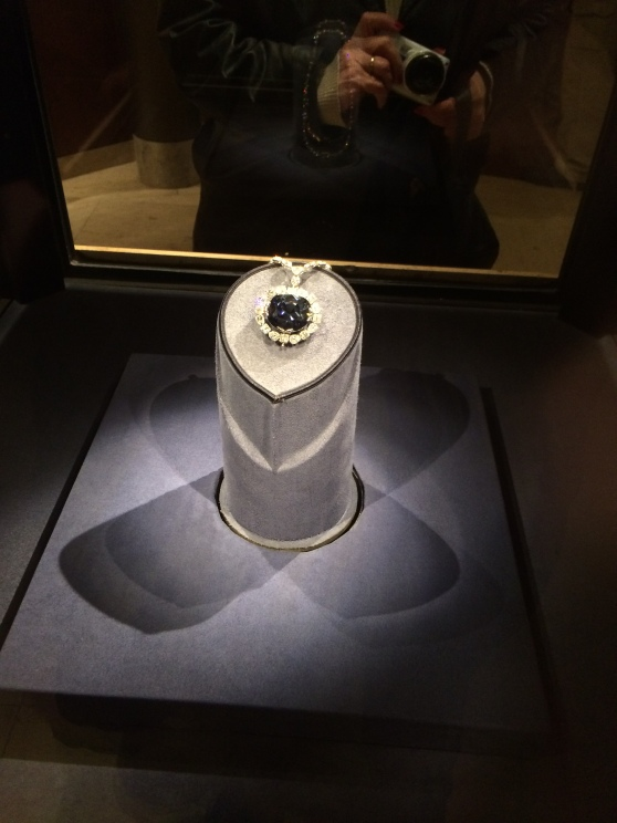 I couldn't *not* get a photo of the Hope Diamond, now could I?!